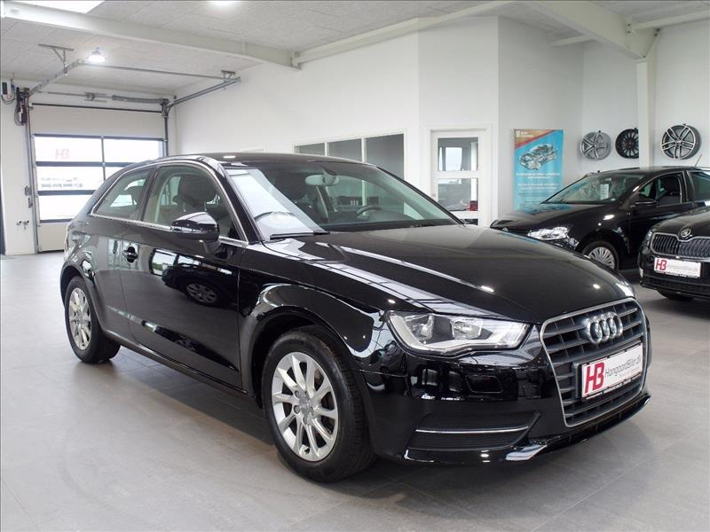 privatleasing-Audi-A3-Attraction-S-tr.-3d-Sort