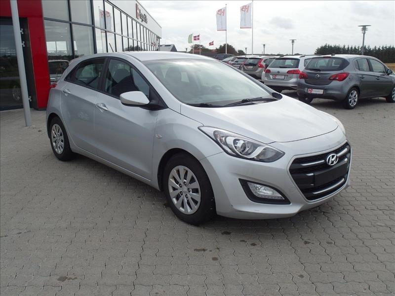 audi-privatleasing-Hyundai-i30-1,6-CRDi-110-Active+-5d-Sølvmetal